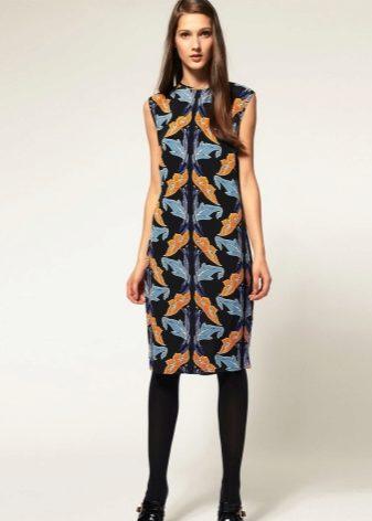Платье из шелка прямого покроя