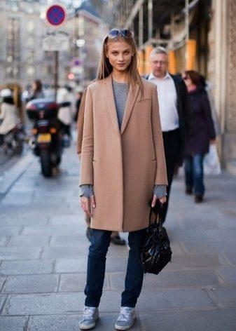 Что нужно носить с пальто