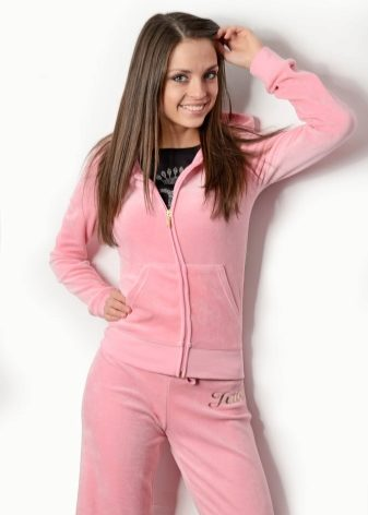 97797a53 В велюровых спортивных костюмах Juicy Couture вы встретите звезд  шоу-бизнеса, отдающим предпочтение дорогой, брендовой одежде.