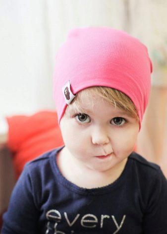 Детские шапки (91 фото): таблица размеров по обхвату головы и возрасту, шапка-шлем, с ушками и ушанка, меховые шапки
