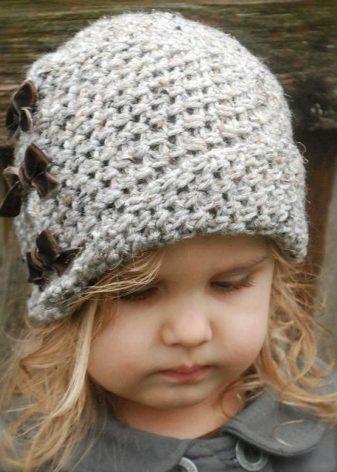 17f08a0f759f Вязаные шапки для девочек (94 фото): для подростков (12-14 лет) с ...