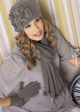 Женский комплект шапка и шарф ( 61 фото): зимний набор шапки с шарфом и варежек для женщины, вязаные и Армани, синие