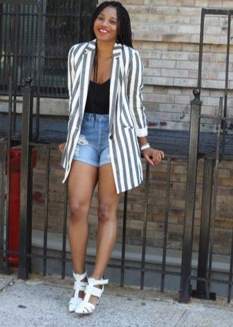Белые босоножки (70 фото): с чем носить летние босоножки без каблука и на шпильке, красивые черно-белые и красно-белые модели