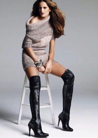 Черные ботфорты (42 фото): с чем носить стильные замшевые и кожаные ботфорты без каблука черного цвета от Bald Eagle