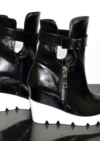 Женские зимние ботинки на толстой подошве (56 фото): на танкетке с мехом, мужские на высокой платформе