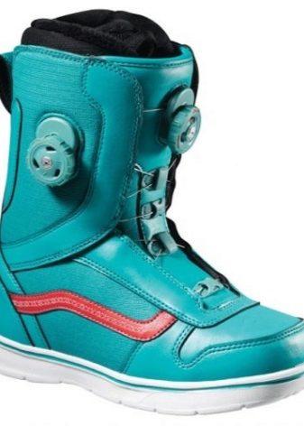 Ботинки для сноуборда Vans: модели сноубордической обуви