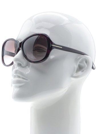 Стоит отметить, что многие модели очков Tom Ford изготавливаются с  поляризационными линзами, которые защищают глаза от бликов и делают  изображение более ... 6ef8755f485
