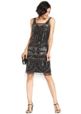 Встречаются также и классические платья в стиле двадцатых. Полноценный  образ дамы из двадцатых годов прошлого столетия будет хорошо смотреться на  различных ... ce1dcb9058c