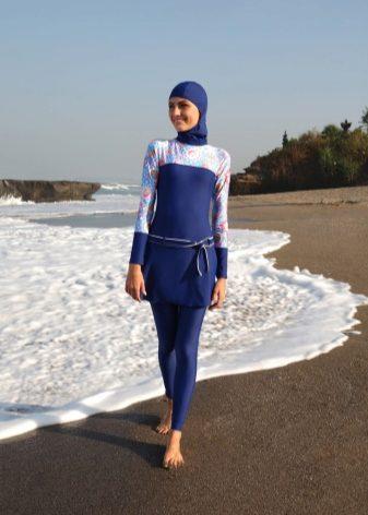 6889df159b75b Несмотря на то, что буркини представляют собой сугубо исламский наряд, он  пользуется большой популярностью и за пределами мусульманского мира.