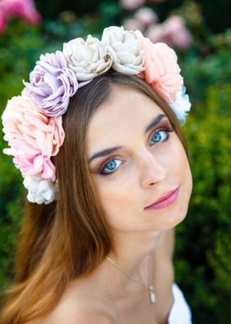 Ободок с цветами (88 фото): из на голову, с из фоамирана, для волос, цветочные, с
