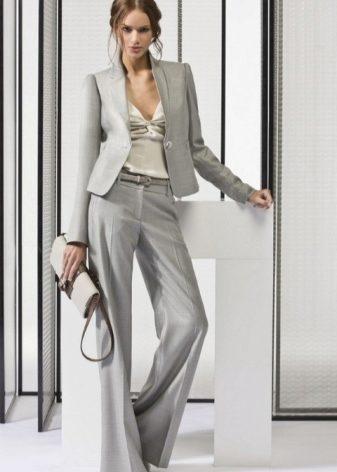 4459c23702e Подбор серого цвета по цветотипу женщины – правильное решение. Блондинкам  идут все холодные оттенки
