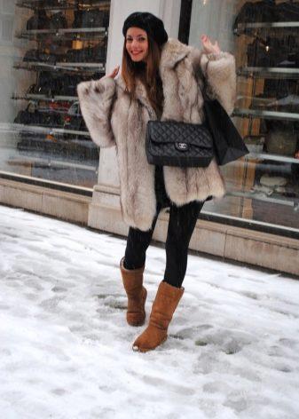 Угги Adidas (41 фото): женские зимние модели