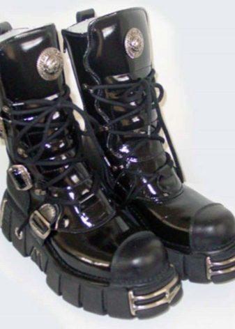 d4694948 Это достигается за счет металлической вставки. Поэтому такие изделия будут  тяжелы для большинства девушек. На такую обувь реагируют металлоискатели,  ...