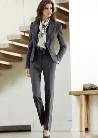 4242752907d Базовый гардероб для женщины 30 лет (87 фото)  стильный образ и ...