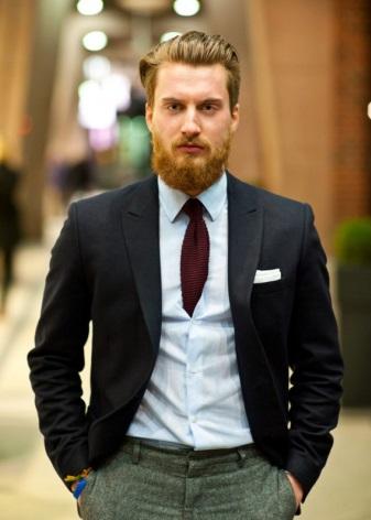 06010f3ee5 Mielőtt a vásárláshoz menne a boltba, nézze meg a szekrényben lógó ingek és  kabátok színeit és nyomatait. A boltban a nyakkendő kiválasztásakor ezt  kell ...