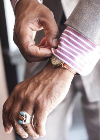 vilket finger har man förlovningsringen på