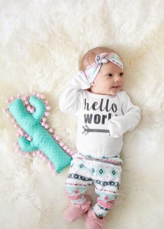 47522eba01e8 Отправляясь за покупками для новорожденной нужно помнить, что одежда должна  быть не только красивой, но и свободной, удобной, пошитой с качественных ...
