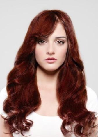Шоколадно красный цвет волос