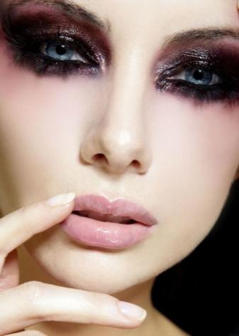 Как красиво сделать макияж черными тенями