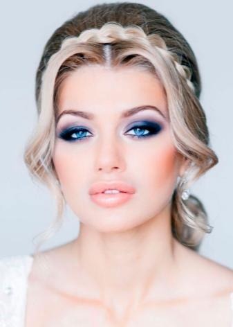 Макияж под бирюзовое платье (23 фото): какой вариант подойдет на выпускной для блондинки и брюнетки, вечерний образ, прическа и маникюр