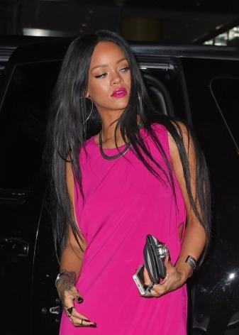 Какой макияж сделать к розовому платью