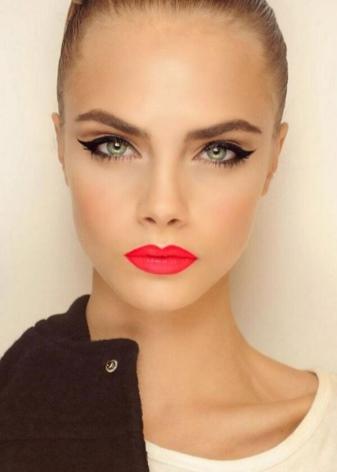Макияж со стрелками: виды стрелок в вечернем make-up с растушеванными тенями на глазах