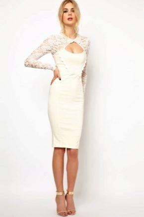 С чем носить платье-футляр белого цвета?