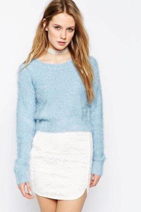 С чем носить пушистый свитер?