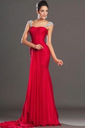 Красное платье на выпускной (60 фото) 2022: черно-красное, макияж