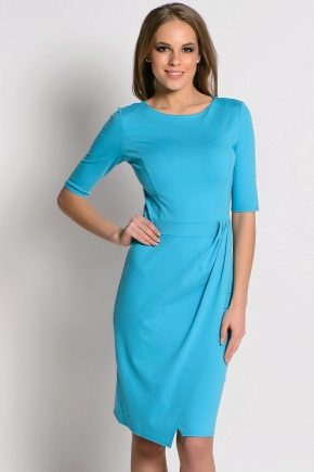 Платье из голубого крепа