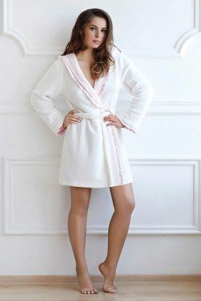 Теплые женские халаты