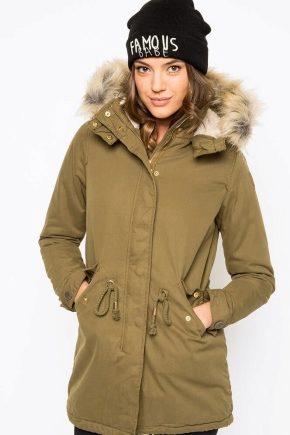 Зеленая куртка-парка