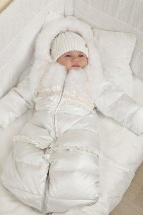 Зимний комбинезон-конверт для новорожденных