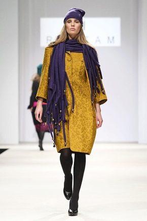 Как правильно и красиво носить шарф с пальто?