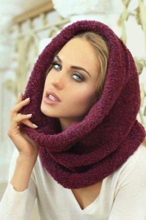 С чем носить бордовый шарф?