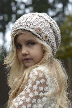 Фото вязанных шапок для девочек