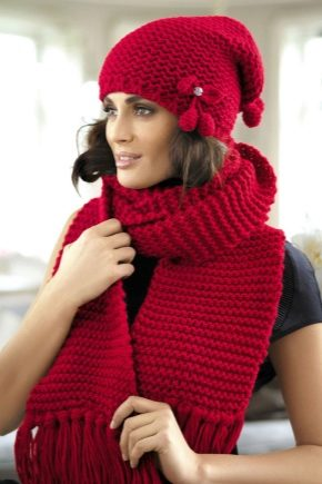 Женский комплект: шапка и шарф