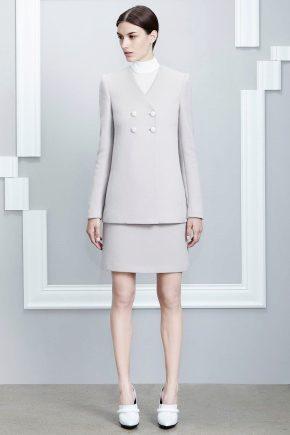 Женский костюм с юбкой – модные тенденции 2020 года