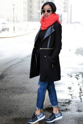 С чем носить красный шарф?