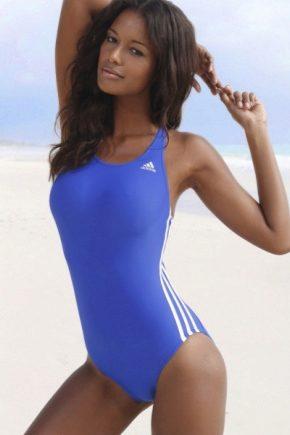 fb93fbddb8b7c Спортивные купальники (75 фото): женский раздельные и слитные ...