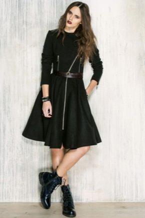 Платья в сочетании с ботинками