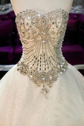 Вечернее платье с корсетом