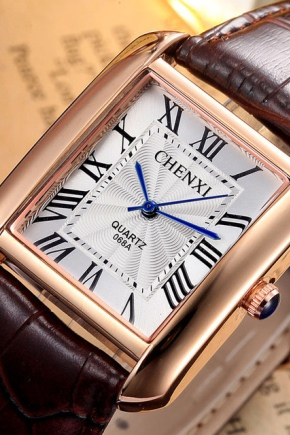 Квадратные наручные часы