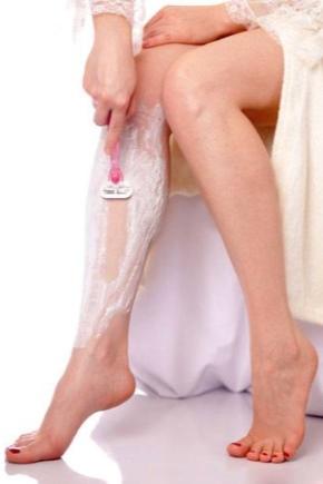 Депиляция ног: как лучше делать в домашних условиях, чем мазать после процедуры, средства против красных точек