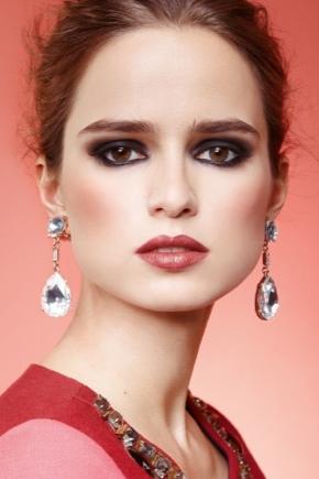 Как подобрать макияж под цвет платья?