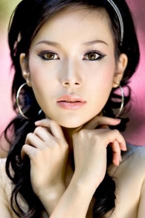 Работа для азиатских девушек работа по веб камере моделью в ачинск