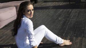 C чем носить белые штаны?