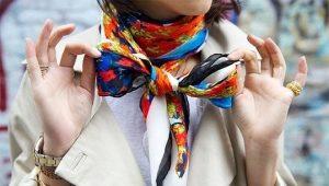 Женские шелковые шарфы
