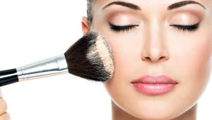 Марки минеральной пудры для проблемной кожи