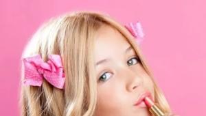Детская губная помада